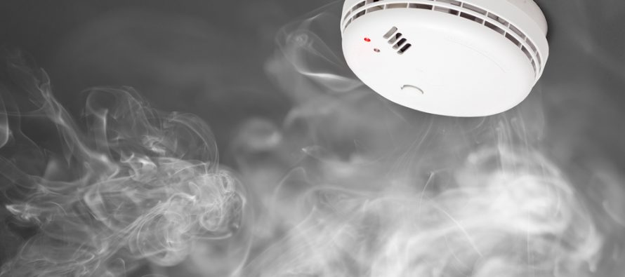 photoelectric vs ionization smoke detectors